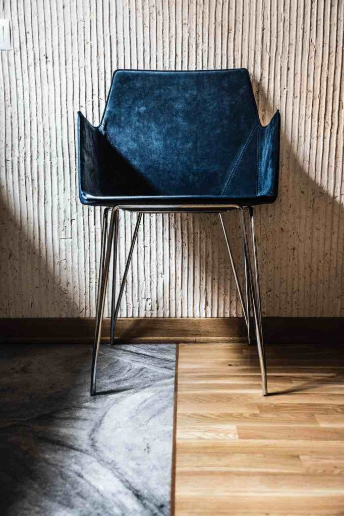 Side chair for in the office or home office