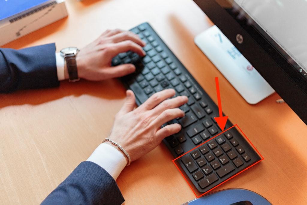 ergonomic keyboard with numeric keypad