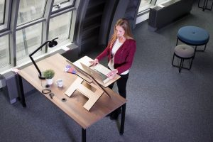 the correct height for a desk to ensure ergonomic work